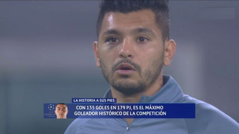 Tecatito Corona en el partido con el Porto