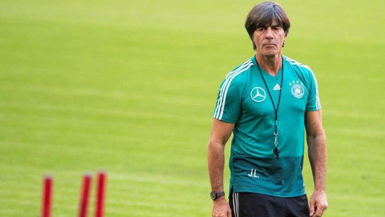 Joachim Löw durante una sesión con Alemania