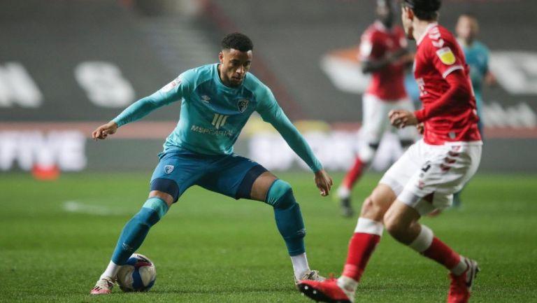 Arnaut Danjuma, centrocampista neérlandes del Bournemouth, en acción