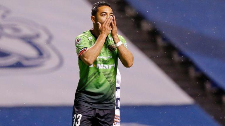 Marco Fabián en un partido de Juárez