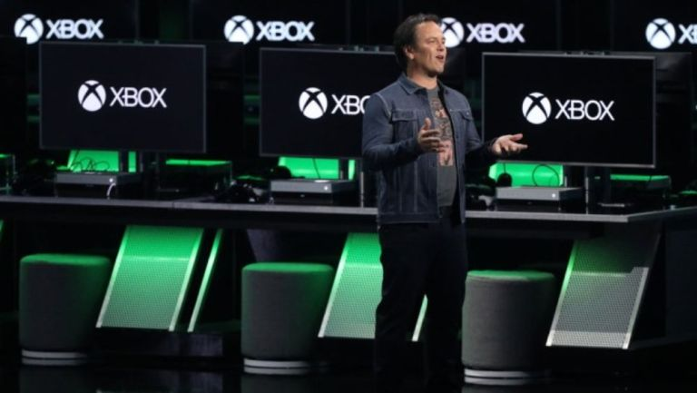 Phil Spencer en un evento de Xbox