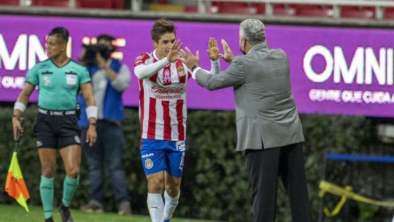 Brizuela y Vucetich durante un partido con Chivas