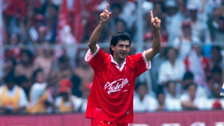 José Saturnino Cardozo durante un partido con Toluca