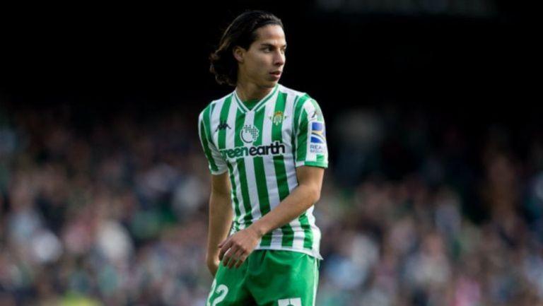 Diego Lainez en partido
