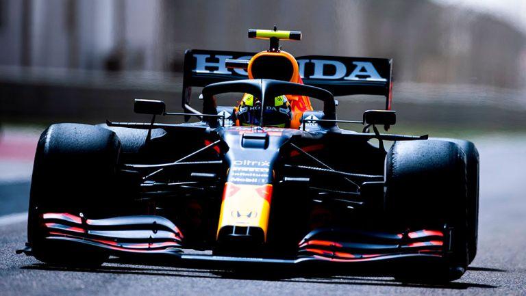 Checo Pérez marcó el mejor tiempo en sesión de pruebas en Bahrein