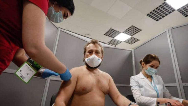 Afición de Zenit vacunandose