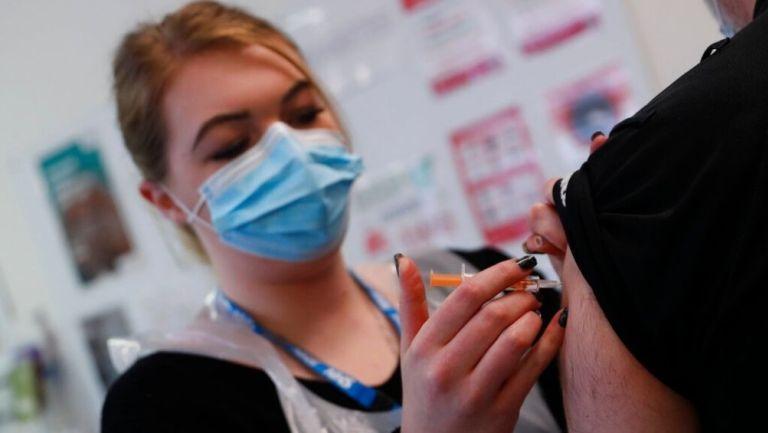 La Agencia reguladora aseguró que la vacuna es segura