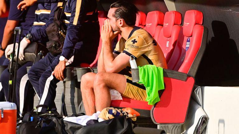 Luis Fernando Quintana , triste tras lesión