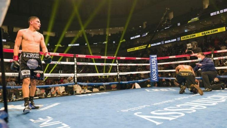 Ortiz se consagró Campeón al vencer a Hooker