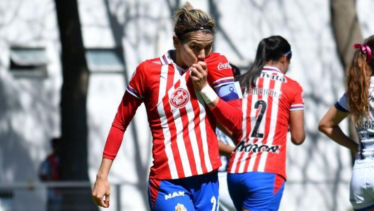 Alicia Cervantes tras anotar un gol a favor de Chivas