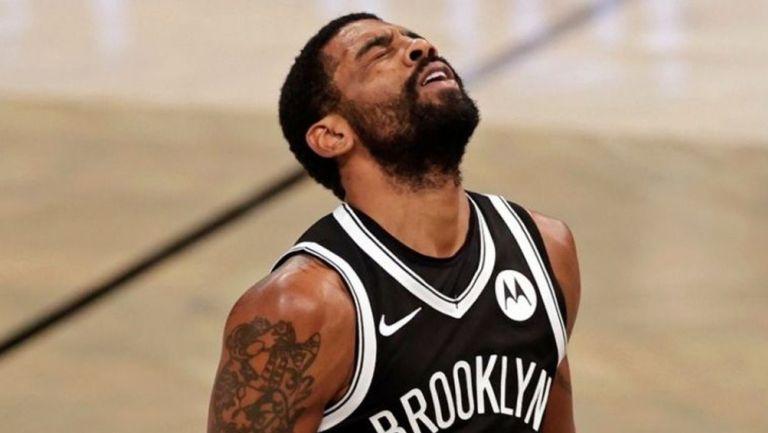 Kyrie Irving en un partido con los Nets