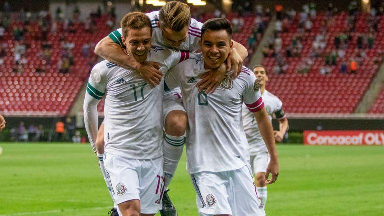 Jugadores del Tri Sub 23 celebran un gol ante Costa Rica