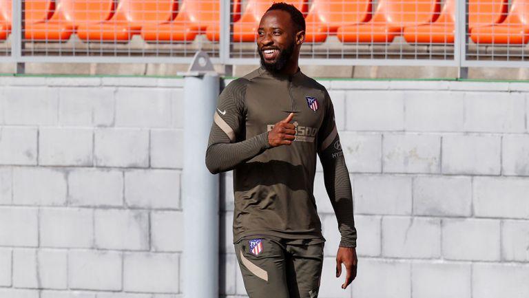 Moussa Dembélé en un entrenamiento con el Atlético