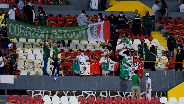 Afición mexicana en victoria vs Estados Unidos en el Preolímpico