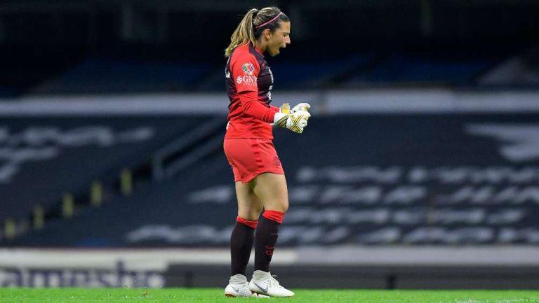 Renata Masciarelli en festejo de gol