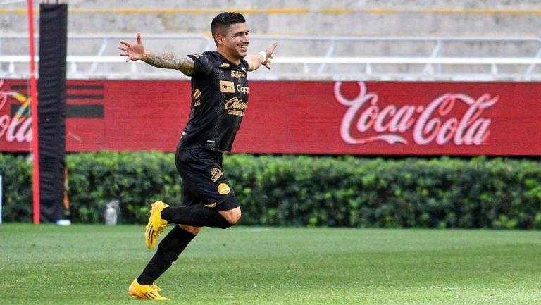 Marín festeja su gol ante el Tapatío