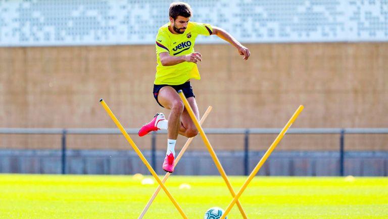 Gerard Piqué durante un entrenamiento con el Barcelona