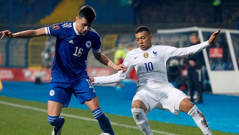 UEFA analiza permitir más de 23 jugadores por equipo