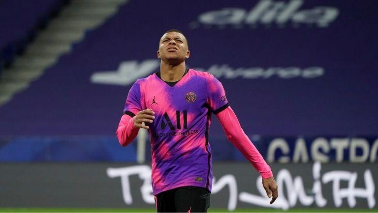 Mbappé en partido con el PSG