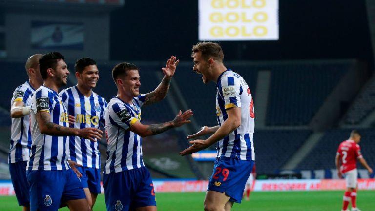 Tecatito Corona: Con asistencia del mexicano, Porto venció al Santa Clara en tiempo agregado