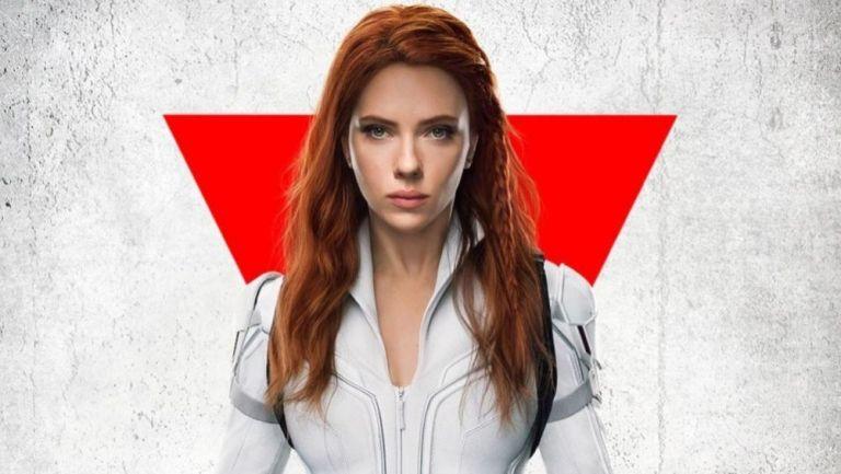 Scarlett Johansson interpretando a Black Widow