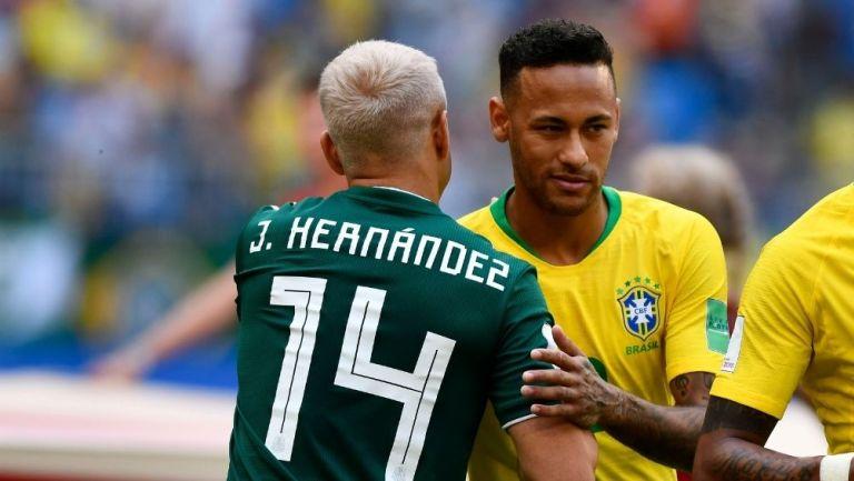 Chicharito y Neymar se saludan en Rusia 2018
