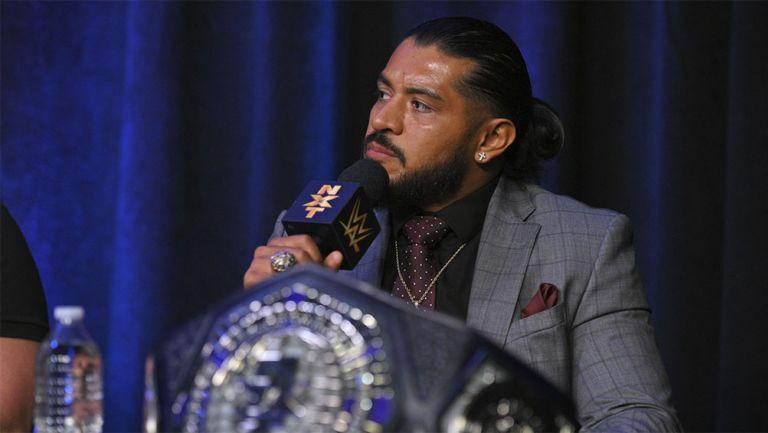 Santos Escobar en conferencia de prensa de NXT