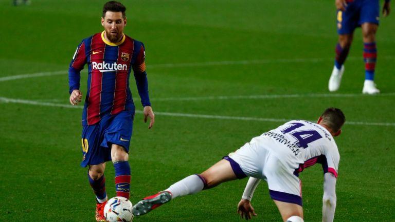 Leo Messi en acción contra el Valladolid