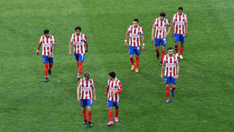 Jugadores de Chivas tras un partido