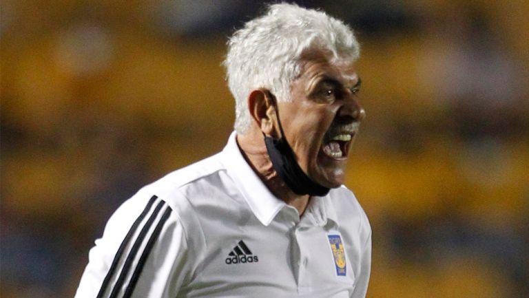 Tuca Ferretti explota contra César Ramos Palazuelos