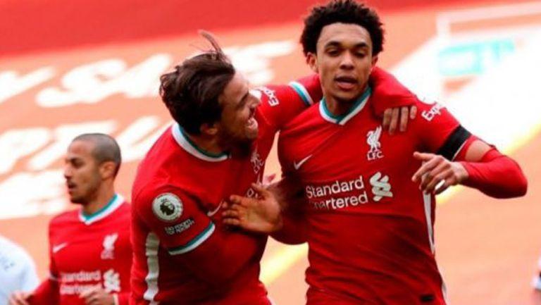 Trent Alexander Arnold en festejo con Liverpool