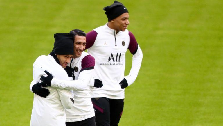 Neymar, Ángel Di María y Mbappé antes de enfrentarse al Bayern Munich