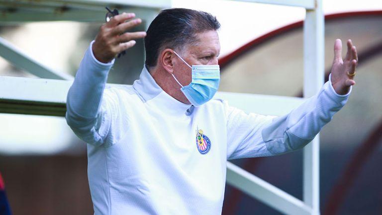 Ricardo Peláez en un partido de inferiores de Chivas