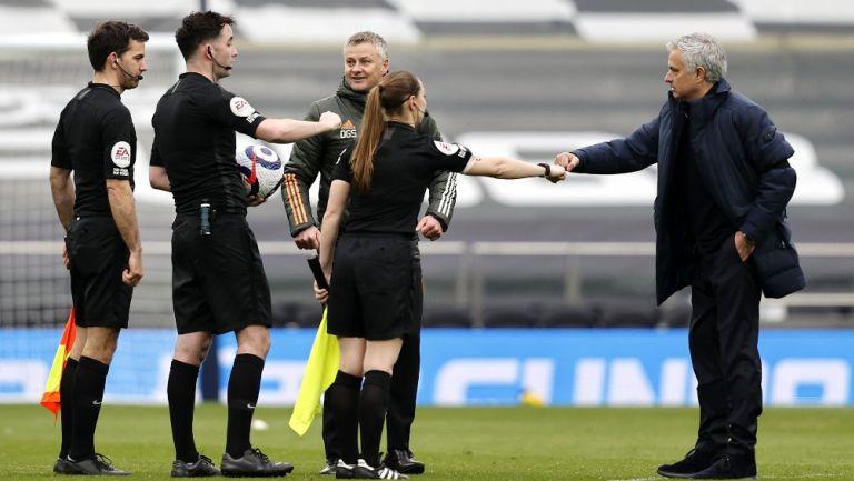 Árbitros del Tottenham vs United