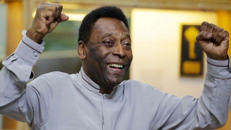 'Pelé', feliz en una entrevista