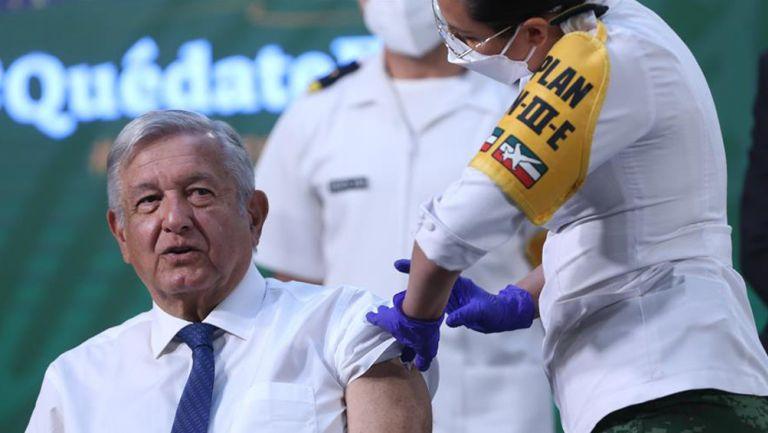 López Obrador es vacunado contra el Covid-19