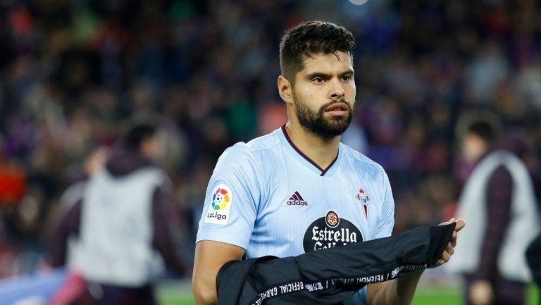 Néstor Araujo en un partido con el Celta