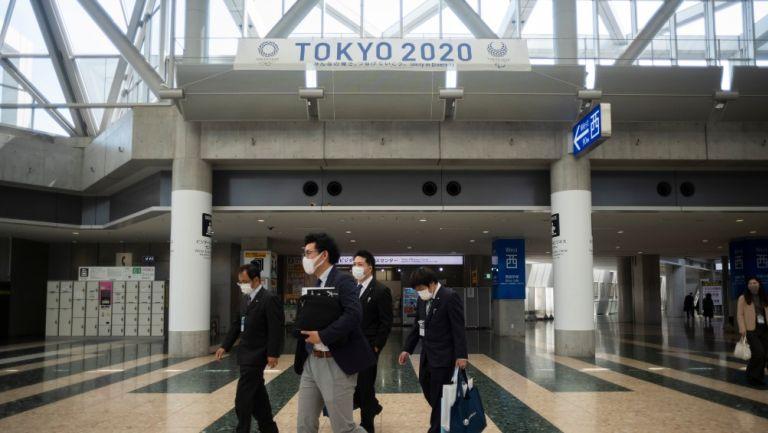 Pancarta de los Juegos Olímpicos en el Centro Internacional de Exhibiciones de Tokio 2020