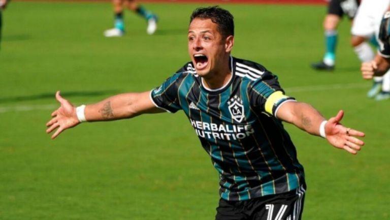 Javier Hernández tras anotar gol con el LA Galaxy