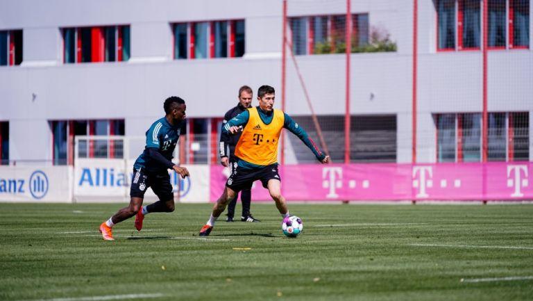 Robert Lewandowski entrena con el Bayern Munich