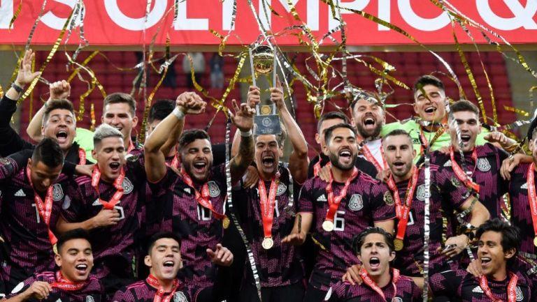 Jugadores de México en festejo tras conseguir el Preolímpico