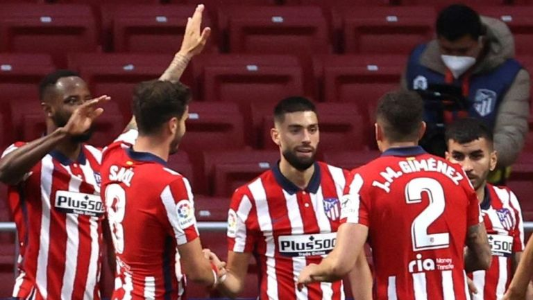 Jugadores del Atlético de Madrid festejan una anotación