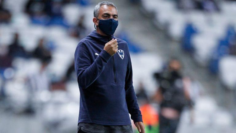 Antonio Amor durante el duelo contra Chivas