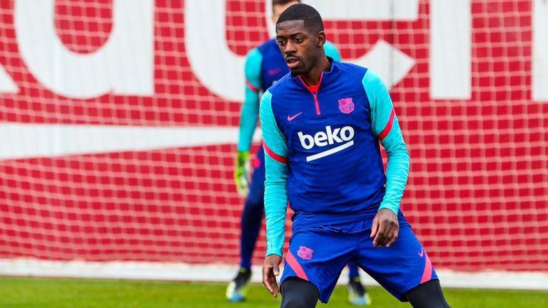 Ousmane Dembélé durante un entrenamiento con el Barcelona