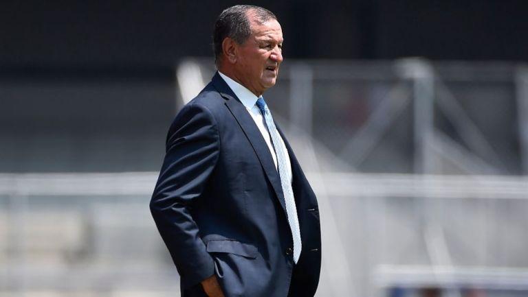Enrique Meza en un partido entre Veracruz y los Pumas