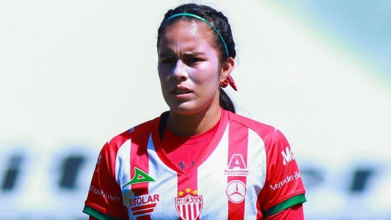 Alexandra Martínez en acción con Necaxa