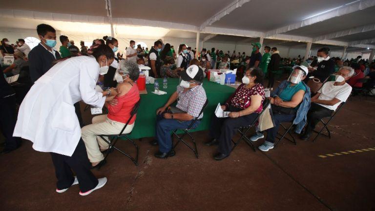 Vacunación contra coronavirus en México