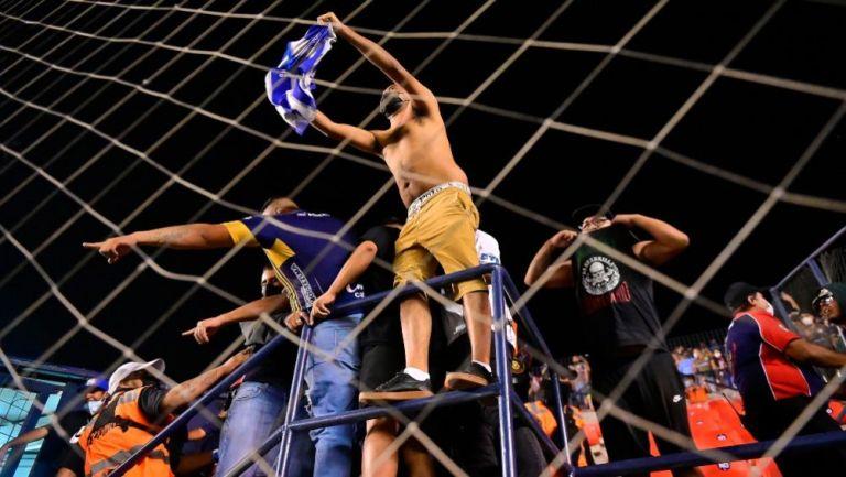 Afición de San Luis molesta en el Alfonso Lastras