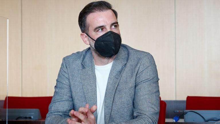Christoph Metzelder en la sala del tribunal para su juicio en Alemania