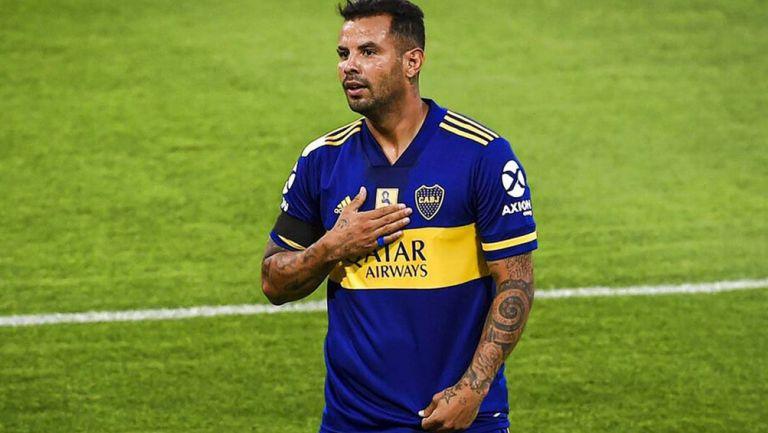 Edwin Cardona, durante un juego con Boca